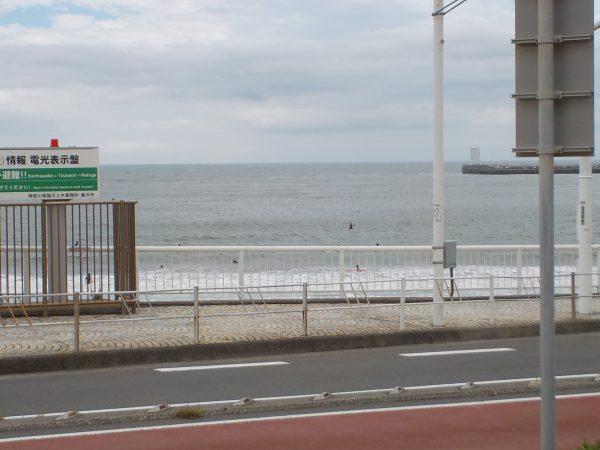波乗りは早目に、風は午後から!