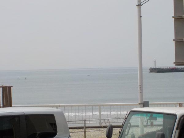 波は早目にね~! 風は午後からのオンショア狙いで!